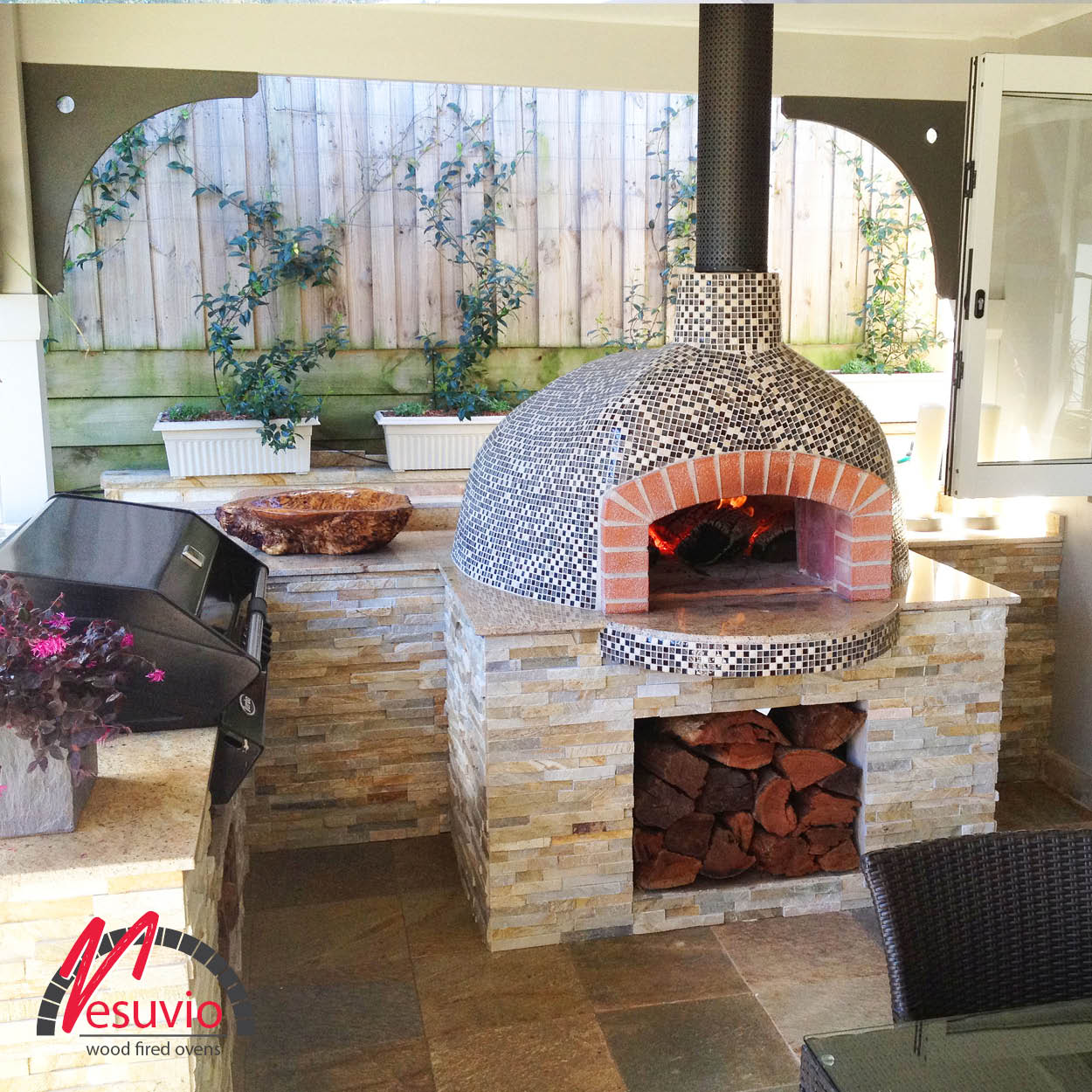Mediterranean wood fired pizza oven - Residential_oven17 Vesuvio Valoriani Wood Fired Oven