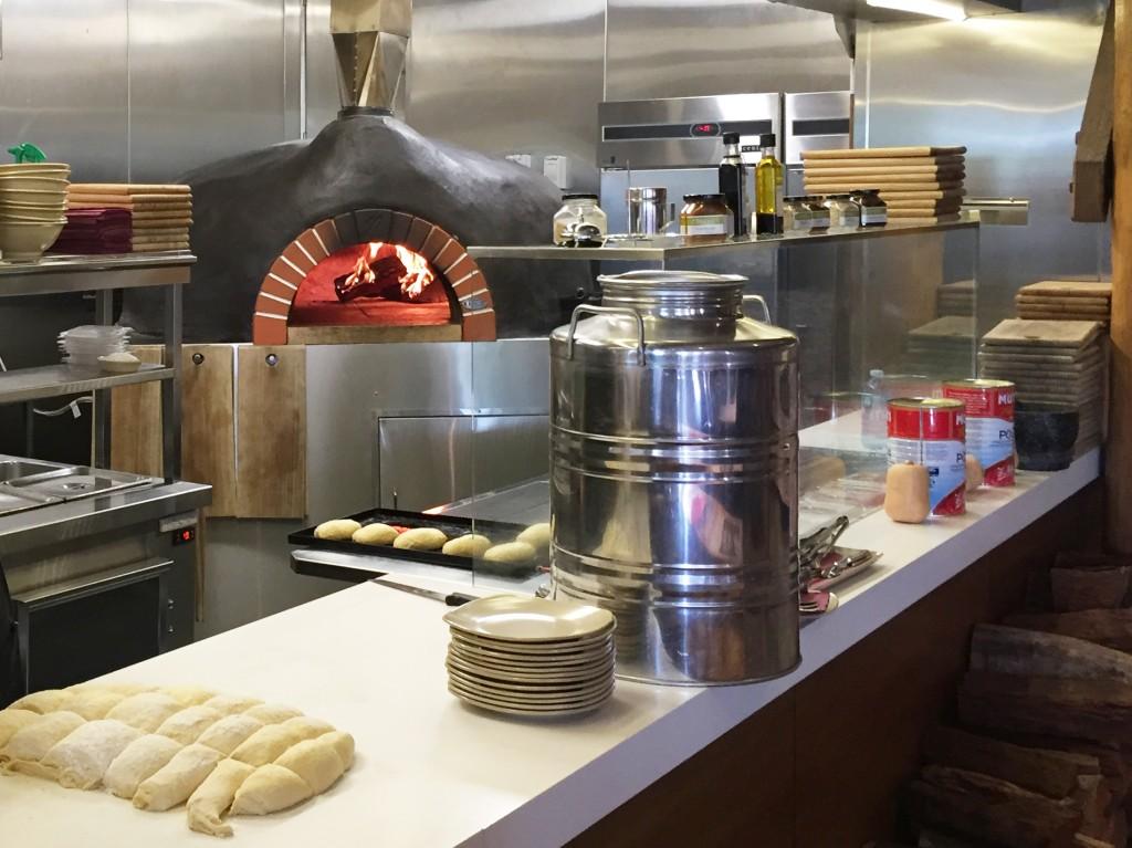 1843 Harvest Cafe Lindeman's Cafe wood Fired oven IMG_4357